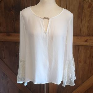 White lace bell sleeve cuff vintage style top